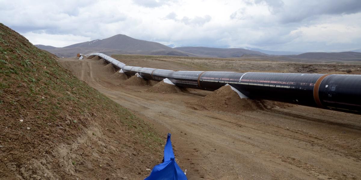 Türkiye ve Azerbaycan arasında 26 Haziran 2012 tarihinde imzalanan anlaşmayla hayata geçirilmeye başlanan Trans Anadolu Doğalgaz Boru Hattı Projesi'nde (TANAP), 3 bölge halinde çalışmalar daha önceden belirlenen takvime uygun devam ediyor. ( Hüseyin Demirci - Anadolu Ajansı )