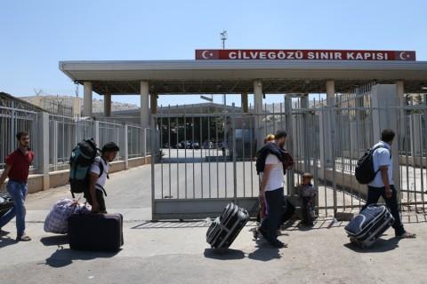 """""""Suriyelilerin Vatandaşlığa Geçişi Türkiye İçin Fırsattır"""""""