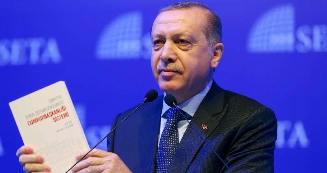 Cumhurbaşkanı Recep Tayyip Erdoğan, SETA'nın düzenlediği Cumhurbaşkanlığı Sistemi Sempozyumu'na katılarak konuşma yaptı. ( Kayhan Özer - Anadolu Ajansı )