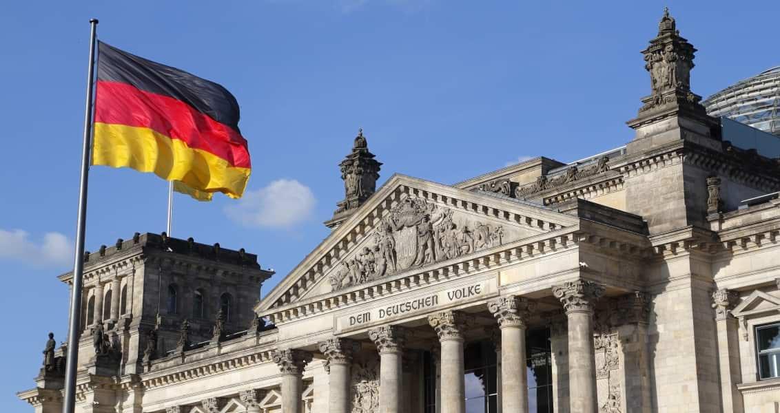 2017 Almanya Federal Meclis Seçimleri Sağ Popülizmin Normalleşme Tehlikesi