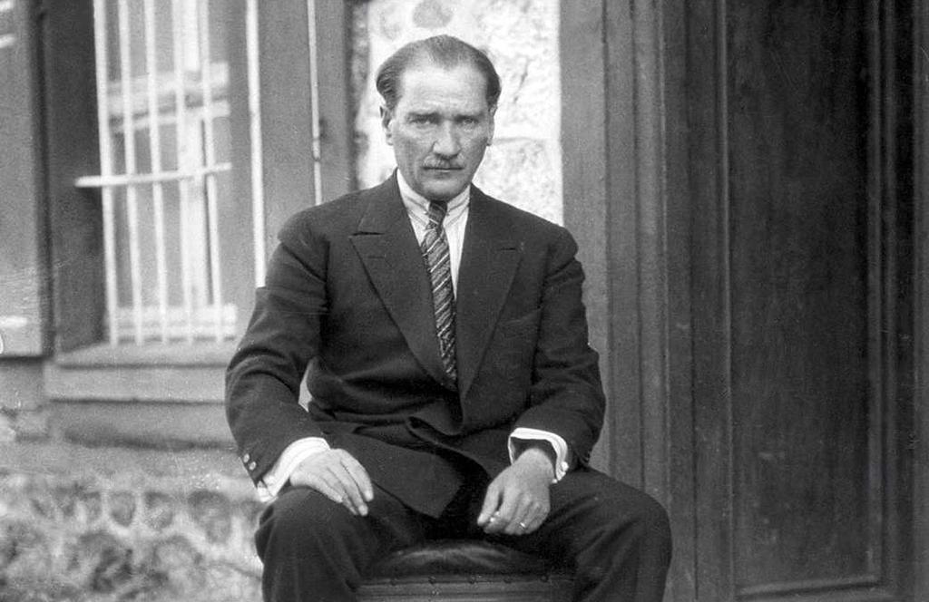 Atatürk Tartışması Ne İfade Ediyor?