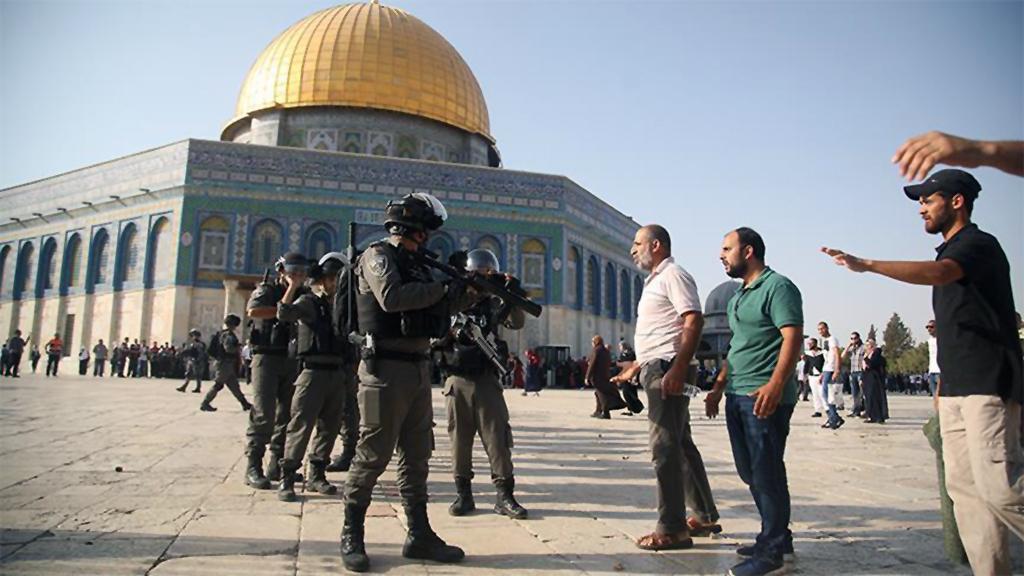 Kudüs'e Acizler Ağlasın!
