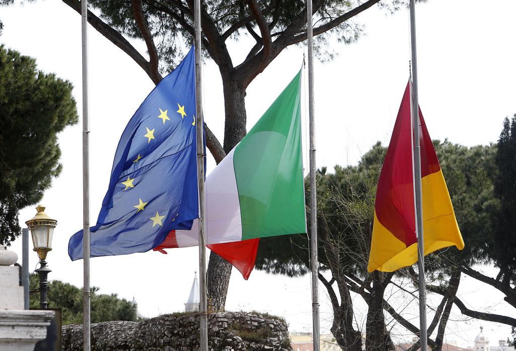 خمسة أسئلة: التوترات السياسية التي أحدثها فيروس كورونا في أوروبا