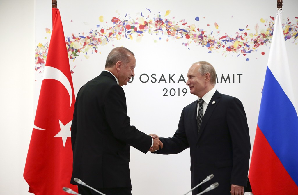 لماذا يمتدح فلاديمير بوتين الرئيس التركي؟