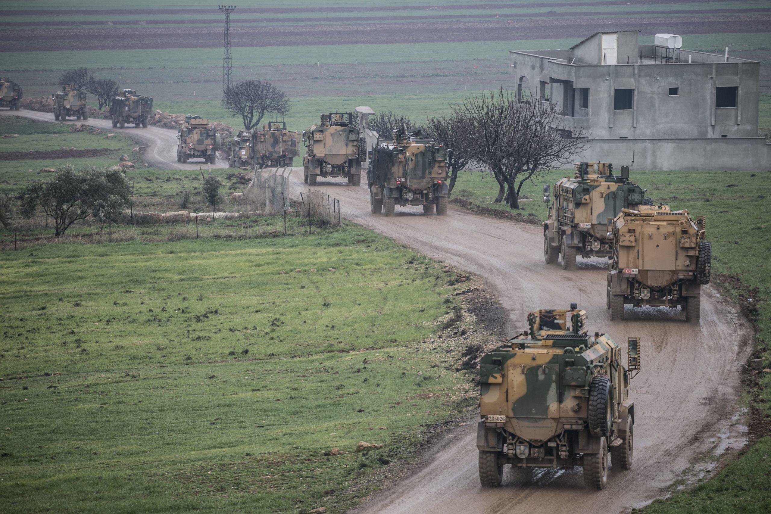 هل تقوم تركيا بعملية في تل رفعت شمالي سوريا؟
