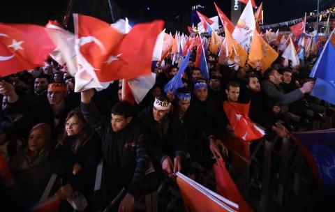 AK Parti Yine Kazandı, Muhalefet Yine Kaybetti, Neden mi?