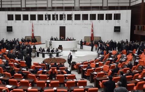 Hükümet, Reformcu Kimliğinden Uzaklaştı mı?