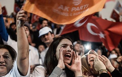 Türkiye'nin Yüzde 50'si ve AK Parti