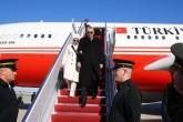 Cumhurbaşkanı Recep Tayyip Erdoğan, Nükleer Güvenlik Zirvesi'ne katılmak ve çeşitli temaslarda bulunmak üzere, özel uçak TUR ile TSİ 23.40'ta Amerika Birleşik Devletleri'nin başkenti Washington'a geldi. Erdoğan, 31 Mart-1 Nisan tarihlerinde Washington'da düzenlenecek Nükleer Güvenlik Zirvesine katılacak.  ( Kayhan Özer - Anadolu Ajansı )