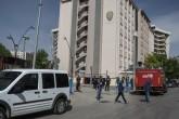 Gaziantep Emniyet Müdürlüğü önünde patlama meydana geldi. Olay yerine çok sayıda sağlık ve itfaiye ekibi sevk edildi. ( Kerem Kocalar - Anadolu Ajansı )
