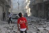 Suriye ordusuna ait savaş uçaklarının Halep'te muhaliflerin denetiminde Kellese bölgesindeki sivil yerleşim yerlerine saldırmasında 5 sivilin yaralandığı bildirildi. Saldırı sonucu bölgedeki bazı bina ve araçlarda maddi hasar oluştu. ( İbrahim Ebu Leys - Anadolu Ajansı )