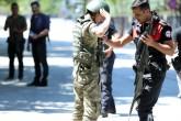 Genelkurmay Başkanlığı Karargahında bulunan bölücü FETÖ/PDY terör örgütü mensubu askerler teslim oluyor. ( Sinan Yiter - Anadolu Ajansı )