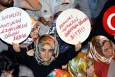 Erzurum'da vatandaşlar, Fetullahçı Terör Örgütünün (FETÖ) darbe girişimine tepki gösterdi. ( Yunus Okur - Anadolu Ajansı )