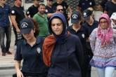 Mersin'de, Fetullahçı Terör Örgütü'nün (FETÖ) darbe girişimine ilişkin soruşturma kapsamında gözaltına alınan 20 şüpheliden 6'sı tutuklanırken, 14'ü ise adli kontrol şartıyla serbest bırakıldı. ( Mustafa Ünal Uysal - Anadolu Ajansı )