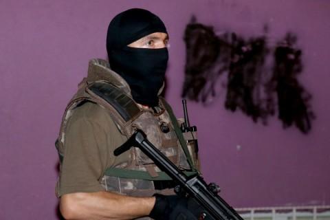 İstanbul Emniyet Müdürlüğü Terörle Mücadele Şube Müdürlüğünce Okmeydanı ve Çağlayan'daki bazı adreslere operasyon yapıldı. ( İslam Yakut - Anadolu Ajansı )