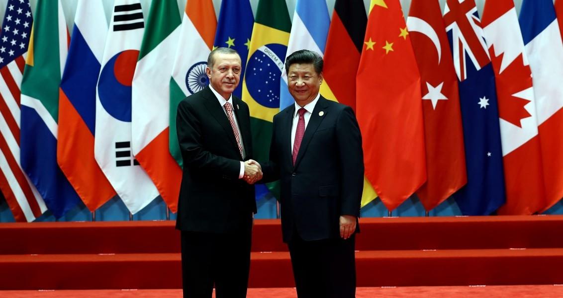 Cumhurbaşkanı Recep Tayyip Erdoğan, G20 Devlet ve Hükümet Başkanları Zirvesi'ne katılmak amacıyla bulunduğu Çin'in Hangzhou kentinde, Çin Halk Cumhuriyeti Cumhurbaşkanı Şi Cinping ile görüştü. ( Cumhurbaşkanlığı / Yasin Bülbül - Anadolu Ajansı )