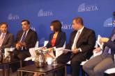 """Siyaset, Ekonomi ve Toplum Araştırmaları Vakfı Washington Ofisi (SETA DC) tarafından düzenlenen """"Türkiye'nin Cerablus Saldırısı"""" başlıklı panele katılan uzmanlar, Fırat Kalkanı Harekatı'nın Suriye'nin kuzeyindeki denklemi Türkiye lehine değiştirdiği görüşünde birleşti.  Panele Suriye Yüksek Müzakere Komitesi Danışmanı Bassam Barabandi (sol 2),  Ulusal Savunma Üniversitesi Kıdemli Araştırmacısı Denise Natali (ortada), Yeni Amerikan Güvenlik Merkezi Uzmanı Nicholas Heras (sağ 2), SETA DC Araştırma Direktörü Kılıç Buğra Kanat (sağda) konuşmacı olarak katıldı. Panelin moderatörlüğünü SETA DC Direktörü Kadir Üstün (solda) yaptı. ( Hakan Çopur - Anadolu Ajansı )"""