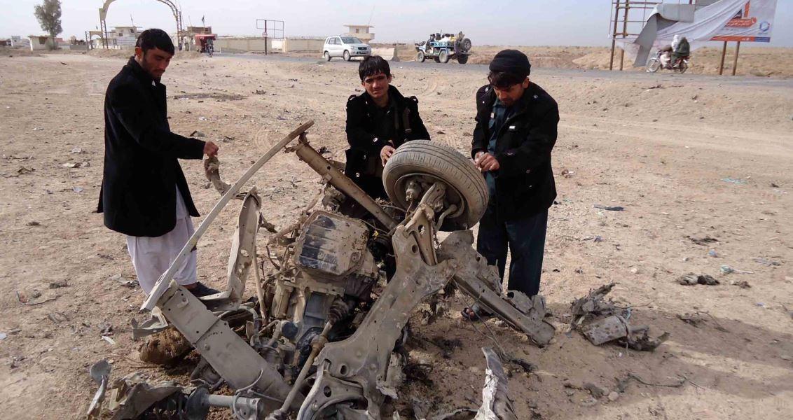 Afganistan'ın Helmand vilayeti emniyet amirinin aracına yönelik bombalı saldırı düzenlendi. ( Abdul Hadi Roshan - Anadolu Ajansı )