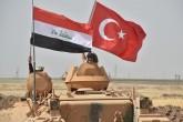 Türk Bayrağı ve Irak Bayrağı ile Türk ve Irak Askerleri