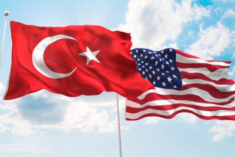 Türk ve ABD Bayrağı