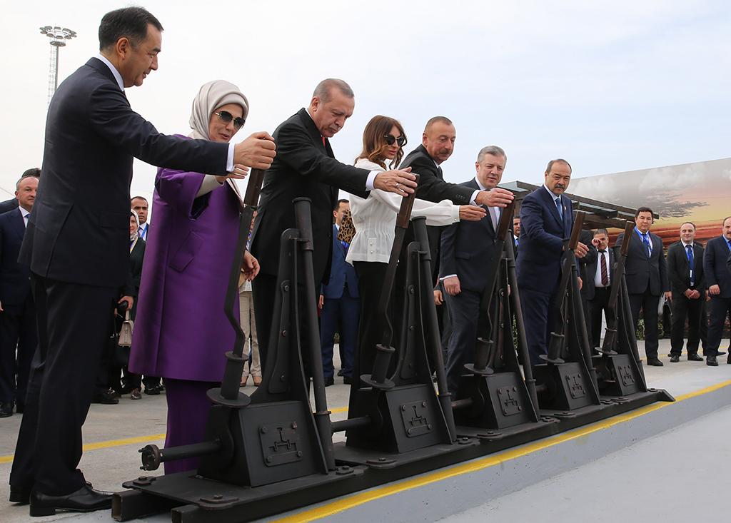 Bakü Tiflis Kars Demiryolu Projesi Ya Da Dış Politikada Fanteziyi Aşmak