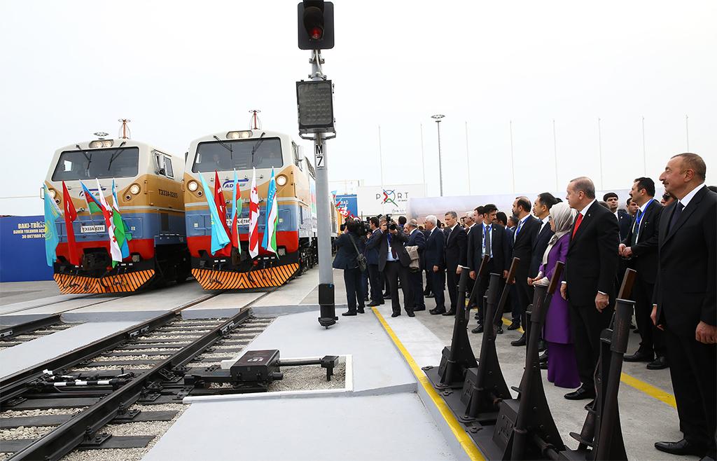 Bakü Tiflis Kars demiryolu hattı açılışı