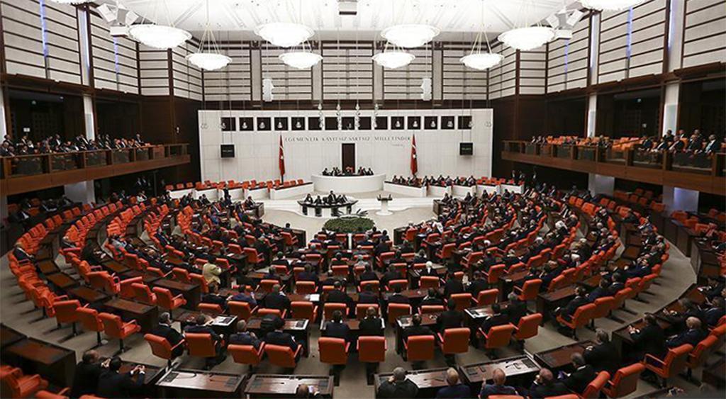 Siyasi Partiler Kanunu'nda Değişiklik Tartışması