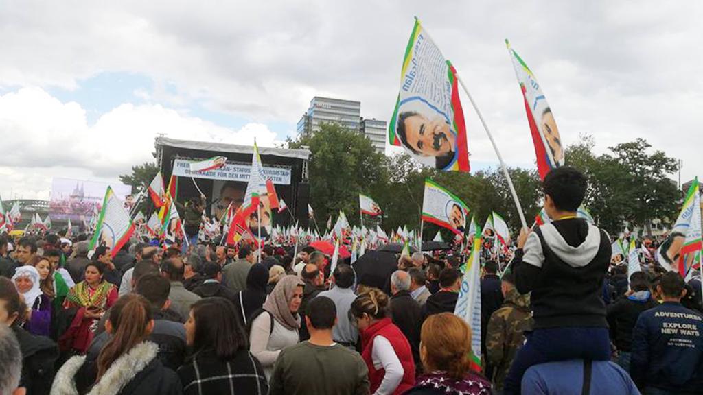 Almanya'nın Köln şehrinde PKK gösterisi