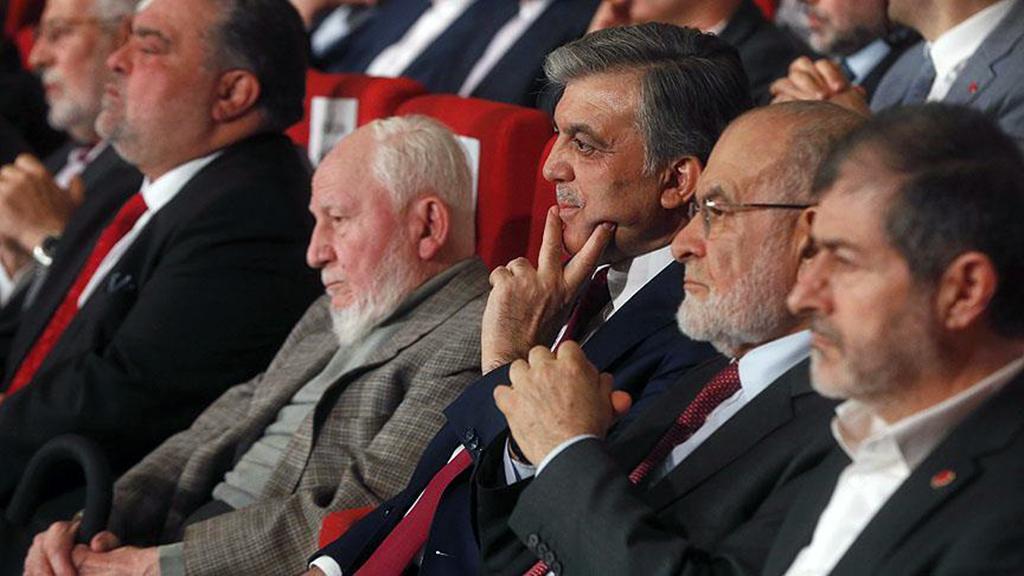 Abdullah Gül - Temel Karamaollaoğulları - Prof. Dr. Necmettin Erbakan Ödülleri
