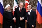 """Cumhurbaşkanı Recep Tayyip Erdoğan, Rusya Federasyonu Devlet Başkanı Vladimir Putin ve İran Cumhurbaşkanı Hasan Ruhani, Cumhurbaşkanlığı Külliyesi'ndeki """"Suriye"""" konulu Türkiye-Rusya-İran Üçlü Zirvesi sonrasında ortak basın toplantısı düzenledi."""
