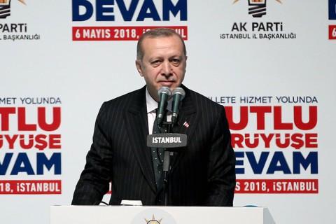 Cumhurbaşkanı ve AK Parti Genel Başkanı Erdoğan, AK Parti İstanbul 6. Olağan İl Kongresi'nde seçim manifestosunu açıkladı.