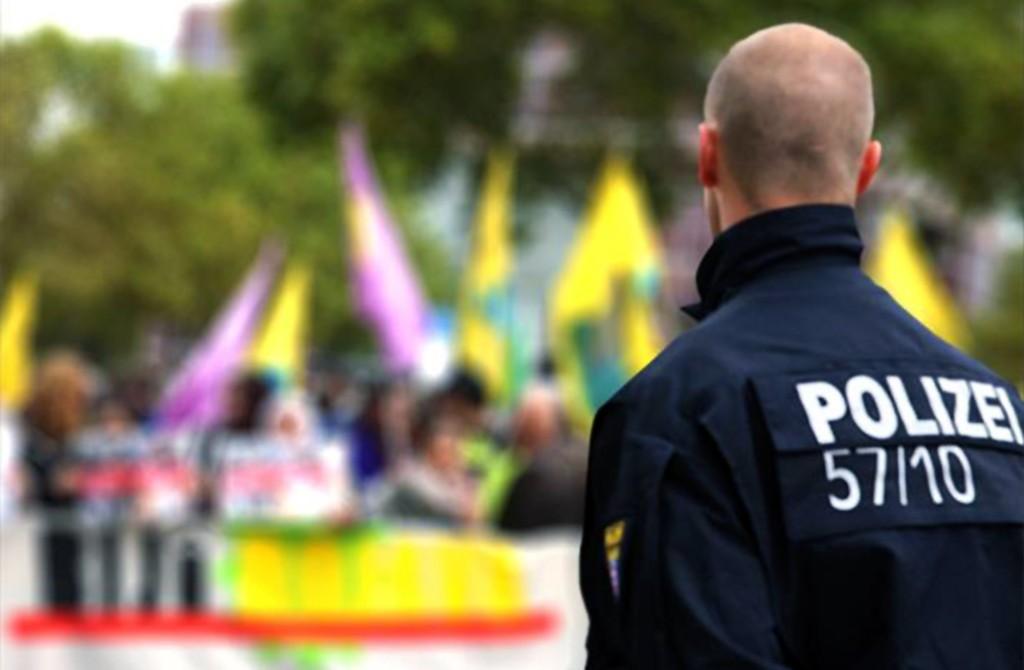 HDP / PKK gösterisinde Alman polisi