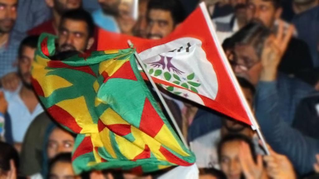 HDP ve PKK Bayrağı