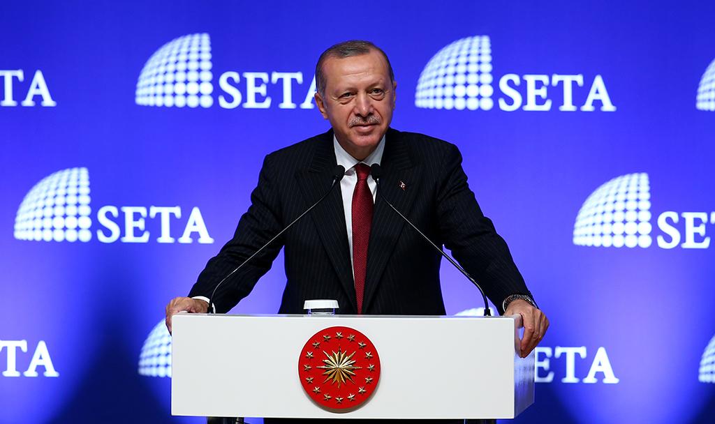 """Türkiye Cumhurbaşkanı Recep Tayyip Erdoğan, Siyaset, Ekonomi ve Toplum Araştırmaları Vakfı (SETA) tarafından düzenlenen """"Kuruluşundan Bugüne AK Parti Sempozyumu""""nda konuşma yaptı."""