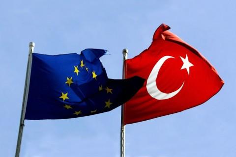 Türkiye - AB Bayrakları