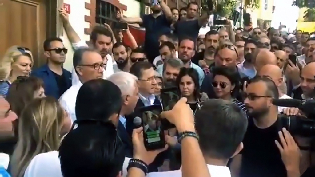 İYİ Parti'de Kimlik ve Varoluş Krizi