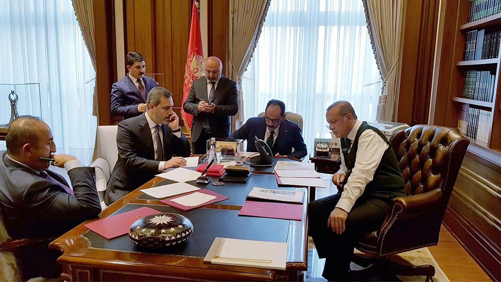 Recep Tayyip Erdoğan ofisinde
