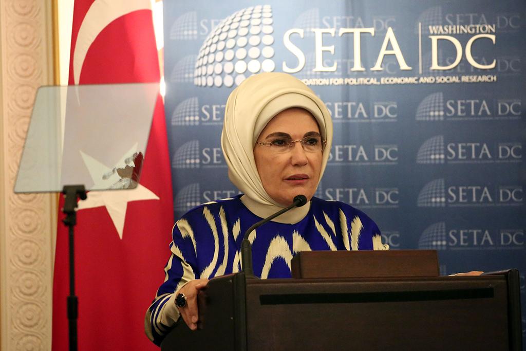 Emine Erdoğan'dan ABD'de 'İnsani Yardım' Vurgusu