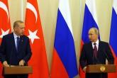 Rusya'nın Soçi kentinde bir araya gelen Türkiye Cumhurbaşkanı Recep Tayyip Erdoğan (solda) ve Rusya Devlet Başkanı Vladimir Putin (sağda), ikili ve heyetler arası görüşmenin ardından ortak basın toplantısı düzenledi.