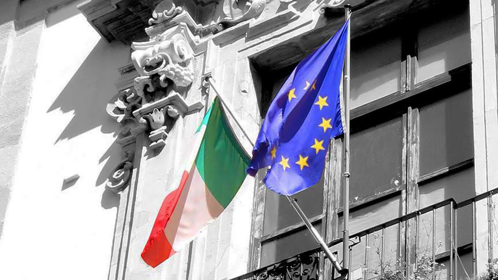 İtalya ve AB Bayrağı