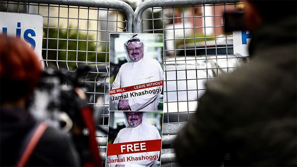 11 Ekim 2018 | Washington Post yazarı Suudi gazeteci Cemal Kaşıkçı'nın, 2 Ekim'de evlilik işlemleri için gittiği ve bir daha da dışarı çıkmadığı İstanbul'daki Suudi Arabistan Başkonsolosluğu önündeki bekleyiş devam ederken, vize işlemleri sürüyor.
