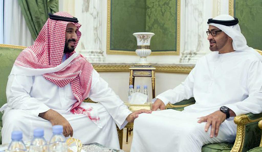 Abu Dabi (Birleşik Arap Emirlikleri) Veliaht Prensi Şeyh Muhammed bin Zayid Al Nahyan (sağda) ve Suudi Arabistan Muhammed bin Selman bin Abdülaziz el-Suud (solda)
