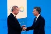 30 Kasım 2018 | Türkiye Cumhurbaşkanı Recep Tayyip Erdoğan (solda), G-20 Liderler Zirvesi'nin açılış oturumunun yapılacağı salona geldi. Erdoğan'ı Arjantin Devlet Başkanı Mauricio Macri (sağda) karşıladı.
