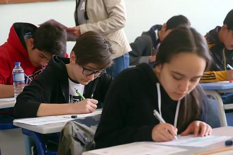 Ortaöğretim Öğrencileri Sınavda