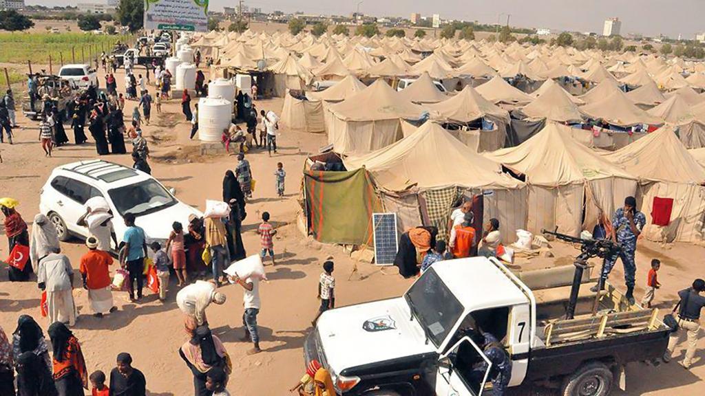 23 Aralık 2018 | Türk Kızılayı heyeti, Yemen'in doğusundaki Taiz ilinde savaştan zarar gören bölgeye bir dizi ziyarette bulundu. (AA)