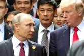 11 Kasım 2017 | Rus Devlet Başkanı Vladimir Putin (solda) ve Amerikan Başkanı Donald Trump (sağda) Vietnam'daki Asya-Pasifik Ekonomik İşbirliği zirvesinde.