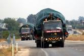 TSK tarafından birliklere takviye amacıyla gönderilen fırtına obüsü ve tank yüklü tırlar ile zırhlı personel taşıyıcılar
