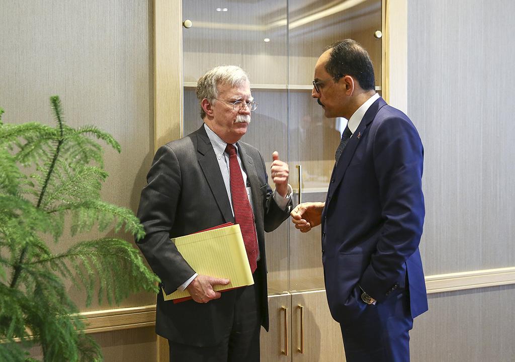 8 Ocak 2018 | Cumhurbaşkanlığı Sözcüsü İbrahim Kalın (sağda) başkanlığındaki Türk heyeti ile Beyaz Saray Ulusal Güvenlik Danışmanı John Bolton (solda) başkanlığındaki ABD heyeti, Cumhurbaşkanlığı Külliyesi'nde bir araya geldi. (AA)