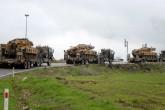 3 Ocak 2018 | Suriye sınırına askeri sevkiyat devam ediyor. Türkiye'nin farklı bölgelerindeki birliklerden Kilis'e gönderilen ve sınır hattında bekletilen zırhlı personel taşıyıcı ve tank yüklü tırlardan oluşan askeri konvoy, Gaziantep istikametine doğru hareket etti. (AA)