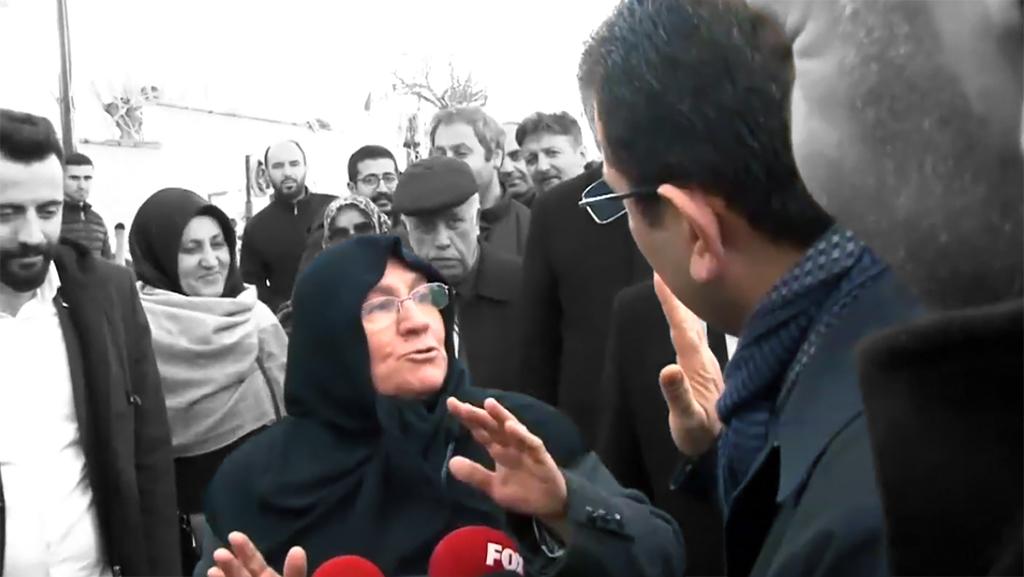 """CHP İstanbul Büyükşehir Belediye Başkan Adayı Ekrem İmamoğlu (sağda), kendisine """"Sana börek yaparım ama oy vermem"""" diyen Mehruze Keleş'i (solda) ziyaret edeceğini belirten Cumhurbaşkanı Recep Tayyip Erdoğan'a yönelik """"Haber verirse ben de gelirim, çayını kahvesini beraber içeriz"""" dedi."""